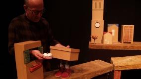 "Tian Gombau-L´Home Dibuixat presenta ""Zapatos nuevos""."
